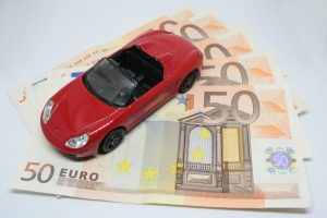 Top Tips for saving on car insurance