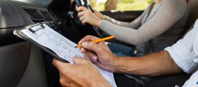 Choosing A Driving School.