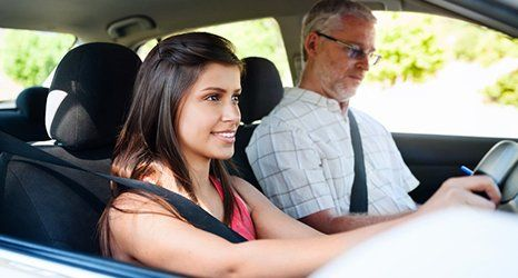 5 Advantages Of Getting Yourself Into Driving School